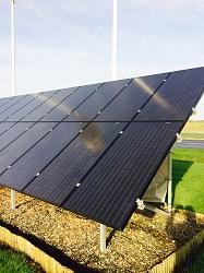 Jordbaseret solcelleanlæg