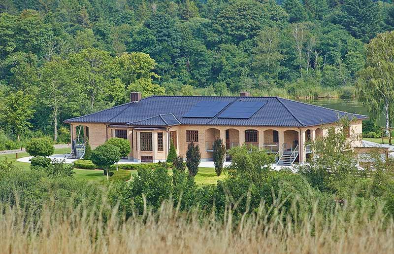 Hus med solceller på taget